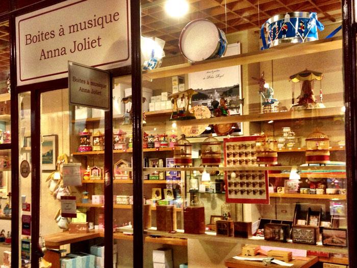 Parisian Music Box or Boites-a-Musique-Anna-Joliet
