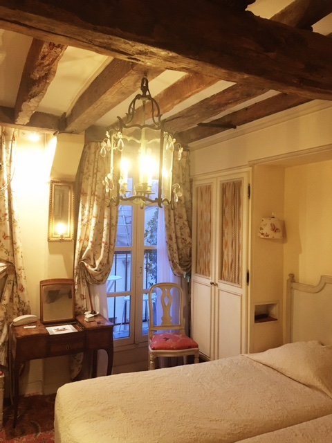 Best Tips Travelling to Paris and France in Winter Hotel Caron de Beaumarchais