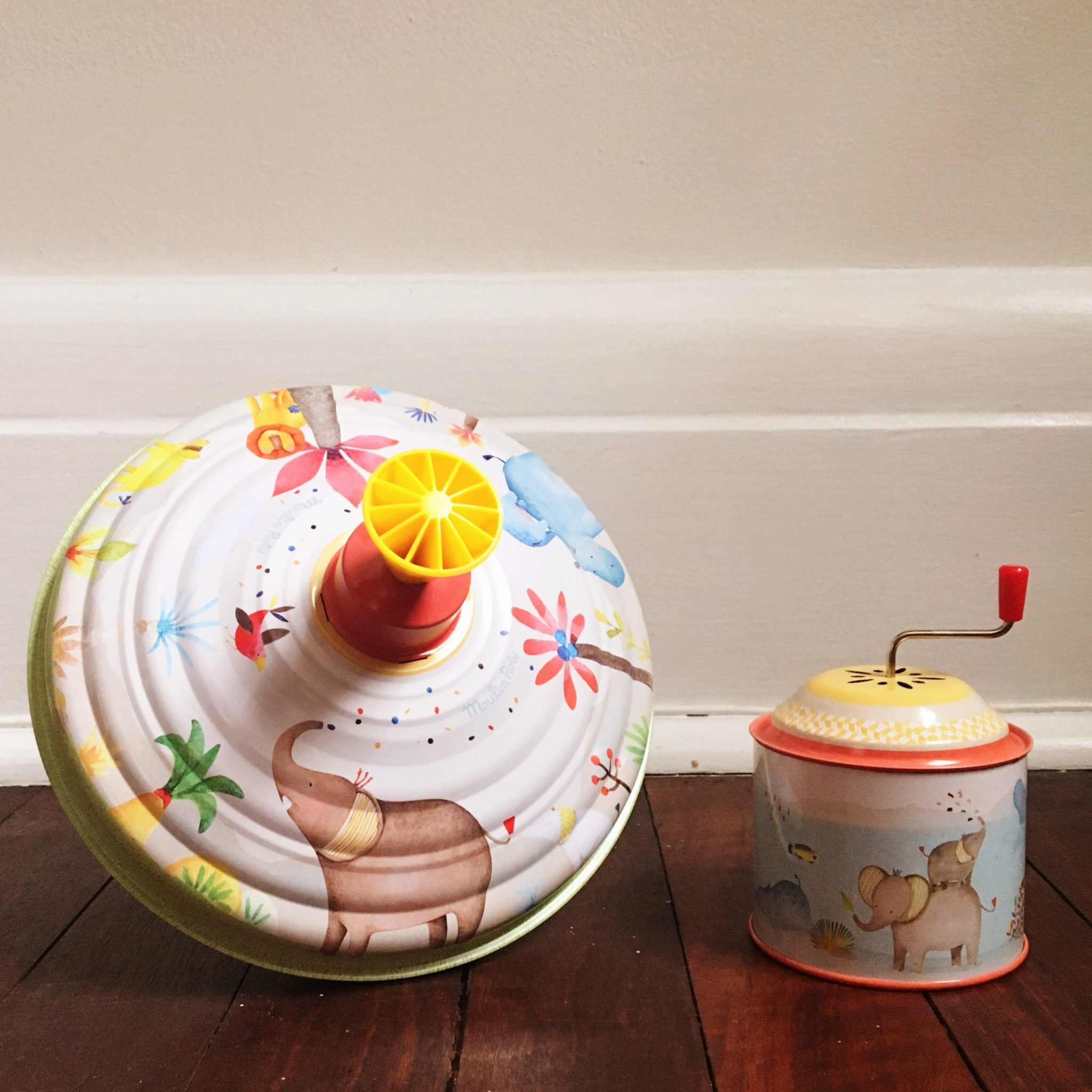 Moulin Roty Les Papoum Large Toy Metal Spinning Top and Music Box Nursery Gift Set