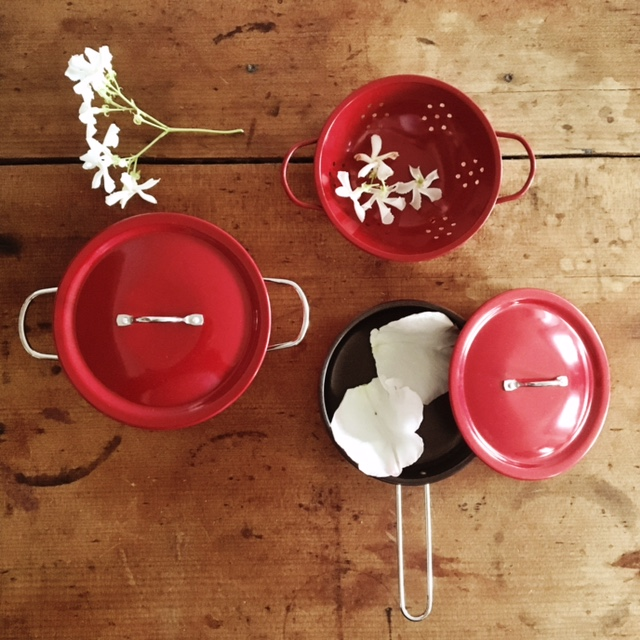 Moulin Roty Je Cuisine French cooking set - Rose Petal Soup